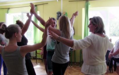 Jól haladnak a táncpróbák